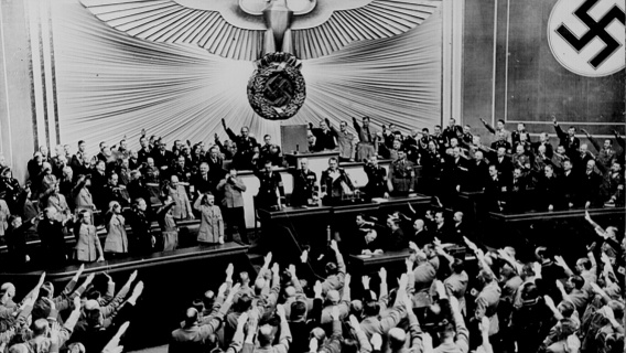 Ovation of the Reichstag